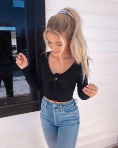 35 Teenager Outfits For School – Muah Club You are in the right place about Fashion Outfits luxury H Big Fashion, Teen Fashion, Fashion Outfits, Fashion Trends, Womens Fashion, Fashion Black, Fashion Ideas, Vintage Fashion, Fashion Clothes