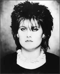 Yazoo, Alison Moyet, what a voice this woman had Corinne Drewery, Eighties Music, Alison Moyet, Jools Holland, Yazoo, 80s Pop, The New Wave, Androgynous Fashion, Black And White Portraits