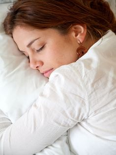 Natural Effective Herbal Remedies For Treat Sleeplessness