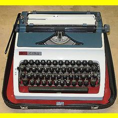 Reise - Schreibmaschine Erika daro - ca. 1975 - incl. Gebrauchsanweisung + + + gebraucht kaufen bei Hood.de