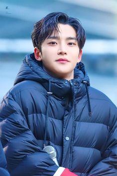 Cute Korean Boys, Korean Men, Asian Men, Asian Celebrities, Asian Actors, Korean Actors, Korean Drama List, Taehyung, Boy Idols