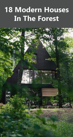 A Black Contemporary Cabin Surrounded in the Forest - Country Home Decor Rustic A Frame House, A Frame Cabin, Dream House Exterior, Dream House Plans, Treehouse Living, Contemporary Cabin, Modern House Design, Modern Houses, Colorado Homes