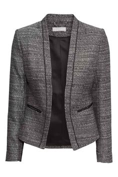 Browse our new arrivals in women's clothes at H&M. Shop online for dresses, work clothes, plus-size clothing and more in the latest styles. H&m Fashion, Work Fashion, African Fashion, Fashion Outfits, Blazers For Women, Jackets For Women, Clothes For Women, Ladies Blazers, Blouse Dress