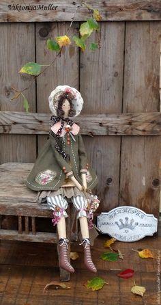 Купить кукла тильда ручной работы ОСЕНЬ - хаки, осенние краски, осень, осень 2016 Fabric Doll Pattern, Doll Patterns, Handmade Toys, Handmade Art, Doll Drawing, Doll Home, Doll Painting, Miniature Crafts, Sewing Toys