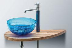 厚みのあるガラスが素敵な♪。ぽってりとしたフォルム、大小さまざまな気泡が魅力的な琉球ガラスの手洗ボウル 排水金具付き[ 緑/赤/青/洗面ボウル/ガラス/インテリア/手洗い鉢/鉢/器/送料無料 ]