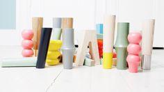 PRETTYPEGS bietet austauschbare Möbelbeine, die zu vielen IKEA Modellen passen und ihnen einen etwas persönlicheren Tatsch verleihen können. Die Beine werden in vielen Modellen, Farben und Grössen angeboten und es wird auch stetig an neuen und kreativen Ideen für andere IKEA Möbel gearbeitet