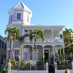 Photo from my friend Sarah's Real Estate blog - this is a Victorian home in Key West.  Hurry - take me there!