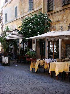 une ruelle italienne Rome, Shops, Vacation, Explore, Outdoor Decor, Home Decor, Destiny, Italy, Tents