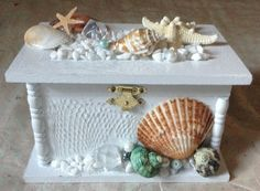 Seashell jewelry box for more info to purchase  @Etsy: SeashellCreation1 , seashell_creation@yahoo.com