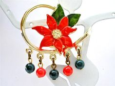 Vintage-Christmas-Enamel-Poinsetta-Brooch-Green-Red-Dangle-Bead-Holiday-Pin