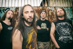 """Extrema, la band metal milanese è pronta per assaltare nuovi palchi live con l'EP """"The old school"""" che contiene brani """"vecchi"""" ma più grintosi che mai."""