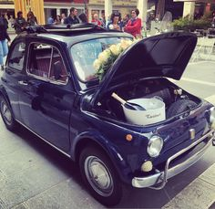 Everyone deserves The #OneAndOnly  #Fantinel #Prosecco #FeelTheEmotion #wine #bubbles #love #roses #flowers #celebrate #celebratelove #amore #wedding #fiat500 #wineoftheday #madeinitaly