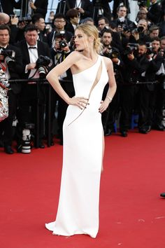 Cannes Film Festival 2015: All of the Best Red Carpet Dresses - Doutzen Kroes in Atelier Versace | StyleCaster