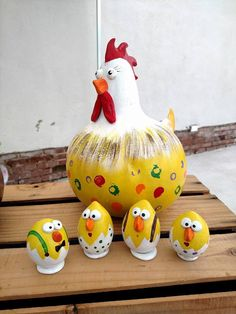 Mama Chicken and her babies. Made from gourds by Dani Montoya at Yellow Cottage Studios