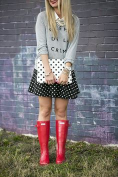 hunter rain boots Archives - Cort In Session Red Hunter Rain Boots, Wellies Rain Boots, Hunter Wellies, Cold Weather Fashion, Cold Weather Outfits, Spring Outfits, Winter Outfits, Rainy Day Outfit For Work, Rain Boots Fashion
