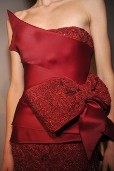 Designs in Red #Red #DesignsinRed #FashioninRed #RedDresses #RedGowns #CoutureinRed #HauteCoutreRed #ModaenRojo #TelasRojas #VestidosRojos #AltaModaenRojo #Rojo #VestidosdeNocheenRojo #RedFabrics #HighFashionFabricsinRed #RedTextiles #ConfeccionesenRojo #CoutureFabricsinRed #RexFabrics #AltaModa #TelasdeAltaModa #TelasDeAltaCostura #Moda #Fashion #Glamorous #chic #Elegance #EleganceinRed