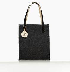 Non-leather Handbags & Accessories designed for the jet-setting go-getter. L&E London is a world of Luxury Multifunctional and versatile Handbags - Ethically Handcrafted in Europe by master craftsman London Bags, Morgan, Multifunctional, Handbag Accessories, Travel Bags, Leather Handbags, Craftsman, Michael Kors, Tote Bag