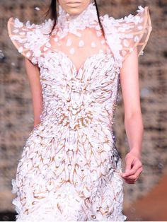 Michael Cinco Haute Couture Winter 2010/2011 | Keep the Glamour | BeStayBeautiful