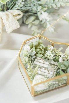Glass Ring Box for Wedding Ceremony Classic Wedding Rings, Wedding Rings Simple, Beautiful Wedding Rings, Wedding Boxes, Diy Wedding, Wedding Ceremony, Wedding Ideas, Wedding Planning, Starry Wedding
