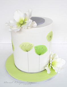 Wonderful cake....ADD diy ♥❤ www.customweddingprintables.com #customweddingprintables
