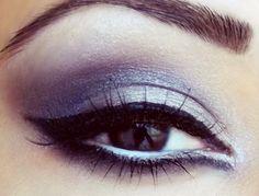 smokey eyes with white eyeliner in waterline