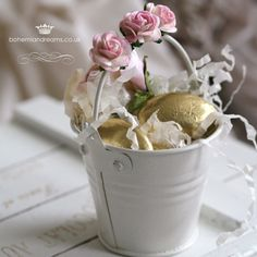 Mini bucket favour vintage, shabby chic, sugared almonds www.bohemiandreams.co.uk
