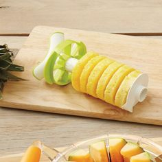 Have ready to use pineapple rings in seconds with the Pineapple Slicer with Wedger. This ingenious pineapple tool quickly and easily peels, cores, and slices for delicious serving size pieces every time. Kitchen Wedding Gifts, Best Wedding Gifts, Yummy Snacks, Healthy Snacks, Pineapple Slicer, Electric Juicer, Vegetable Chopper, Wedding Gift Registry, Ice Cream Treats