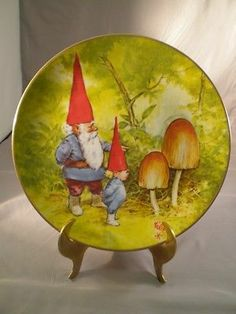 Rien Poortvliet Gnome Knowledge Spring Gnomes Four Seasons Plate