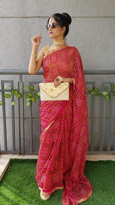 Baluchari Saree, Silk Saree Banarasi, Chiffon Saree, Bollywood Saree, Pink Saree, Golden Blouse, Simple Sarees, Inspirational Celebrities, Crochet Blouse