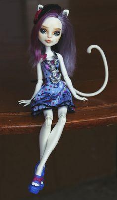 Monster High Repaint 'Beatrice' Catrine DeMew Custom OOAK Doll