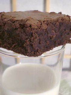 best brownies recipe I've found - making this today for V-day, to go along with homemade chocolate fudge and vanilla ice cream!