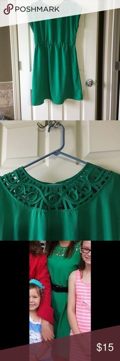 Emerald Green Dress Short sleeve with gorgeous accent around neckline. Elastic waistband. Can be worn with belt or without. Love this dress for work or summer parties. Worn twice, excellent condition! Maurices Dresses Midi