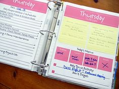 Tons of organization printables.