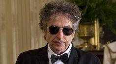 Bob Dylan komt toch Nobelprijs in Zweden ophalen | NOS