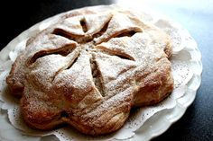 Glarner Pastete is a traditional cake from the Canton of Glarus in Switzerland. It is made with plums and almonds.