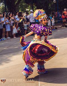 Flights of Fantasy in Hong Kong DIsneyland carnival DIsneyland Sheriff Woody, Classic Disney Characters, Hong Kong Disneyland, Roller Coaster Ride, King Louie, Disney Theme, Tigger, Mickey Mouse, Carnival
