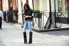 la modella mafia Barbara Martelo street style chic in a Givenchy printed tee and boots at Spring 2013 Fashion Week Street Looks, Street Style, Street Chic, Twin Love, Love Fashion, Autumn Fashion, Fashion Trends, Fashion Bloggers, Fashion Pics