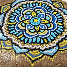 """Deko-Objekte - Mandala Stein """"Miriam"""" - ein Designerstück von PetiteMaman-Atelier bei DaWanda"""