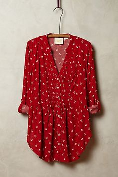 #red pintuck buttondown http://rstyle.me/n/n4namr9te
