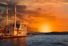 Yüzlerce kartpostal karesini süsleyen Ortaköy Camii…