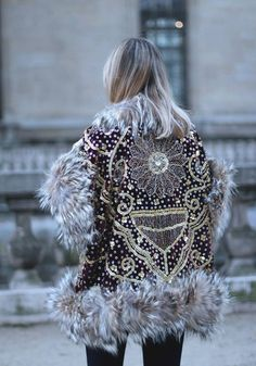 Tete by Odette coat, Paris Fashion Week street style outfit. Women's fashion and street style. Hippie Chic, Estilo Hippie, Hippie Style, Bohemian Gypsy, Fashion Weeks, Mode Style, Style Me, Moda Barcelona, Look Boho