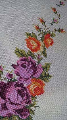 Cross Stitch Rose, Cross Stitch Embroidery, Asian Bridal, Table Toppers, Virgin Mary, Crochet Clothes, Leaf Tattoos, Needlework, Diy And Crafts