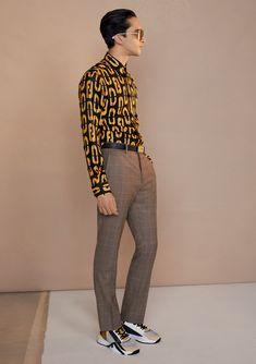 Man Fashion, Fashion Outfits, Guy Models, Slim Fit Chinos, White Jersey, Designer Clothes For Men, Blue Denim Jeans, Cotton Pants, Windsor