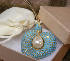 """Turquoise Rhinestone Calla Lily Brooch Pin with Faux Pearl Center stone 4"""" Long #Unsigned"""