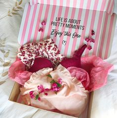 Happiness in a box! #hunkemöller #lingerie #pink #love #musthaves #sale laurencemagaly