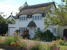 Cottage in Winterton-on-Sea (by Kirkleyjohn) Little Cottages, Little Houses, Cute Cottage, Cottage Style, Cottage Homes, Cottage Gardens, English Country Cottages, Country Houses, Storybook Homes