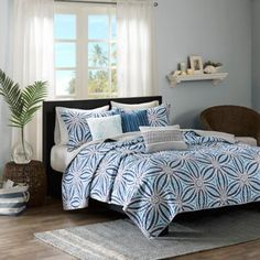 Madison Park Caicos Quilted Coverlet Set - BedBathandBeyond.com