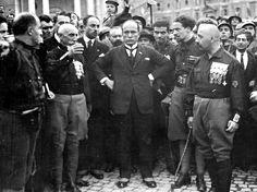 Mussolini and the Quadrumviri during the March on Rome in 1922: from left to right: Michele Bianchi, Emilio De Bono, Italo Balbo and Cesare Maria De Vecchi