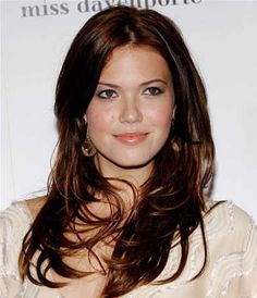 Mandy Moore S Long Dark Auburn Hairstyle Sheknows Celebsalon Design Pixel Dark Auburn Hair, Hair Color Auburn, Dark Hair, Auburn Brown, Dark Brown, Dark Red, Auburn Colors, Blue Hair, Blonde Hair Lady