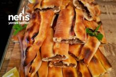 Bafra Pidesi (Kapalı Pide) Enfes – Nefis Yemek Tarifleri – Vegan yemek tarifleri – The Most Practical and Easy Recipes Best Beauty Tips, Turkish Recipes, Travel Size Products, Bacon, Food And Drink, Cooking Recipes, Breakfast, Hamburger, Create